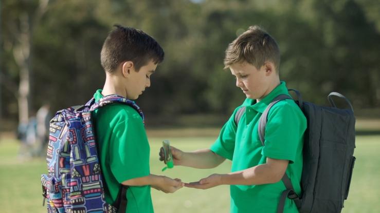 boys-sharing